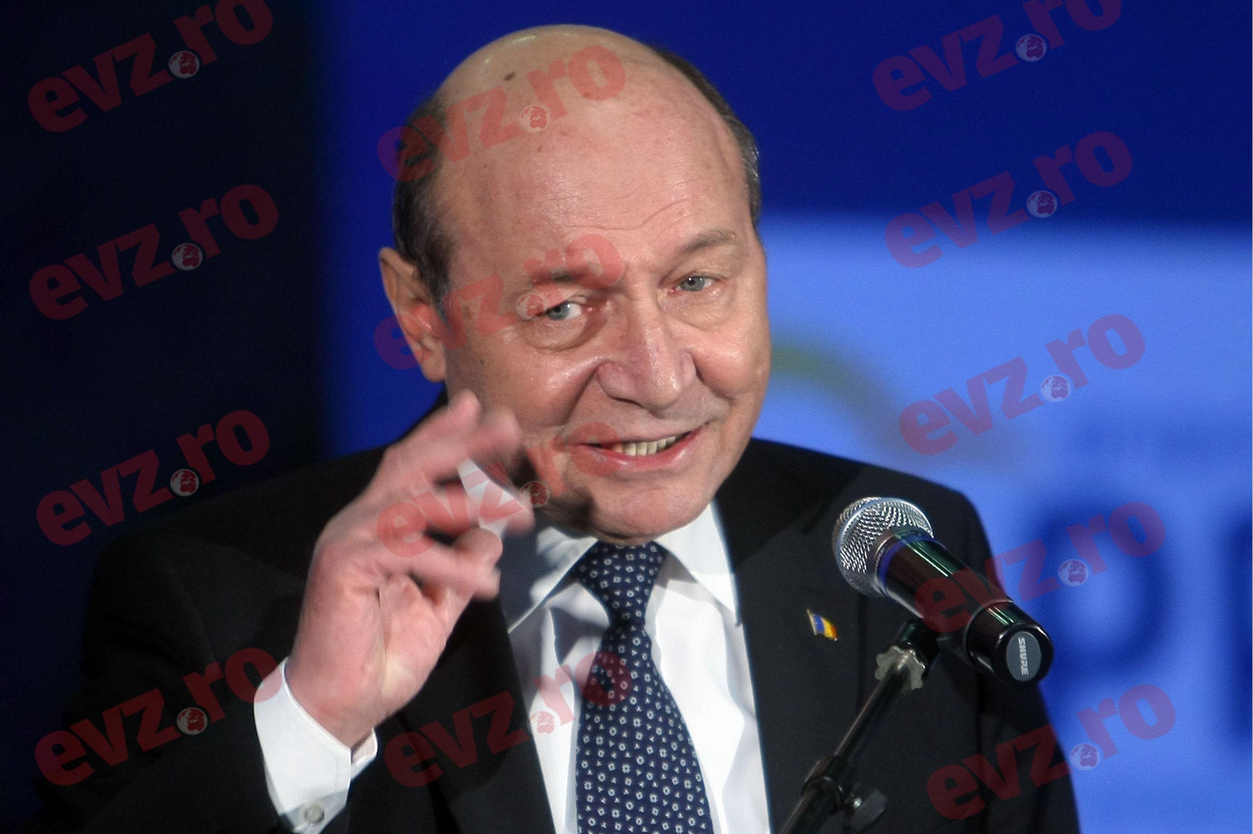 """Traian Băsescu, atac fără precedent asupra liberalilor: """"Niște fripturiști"""""""