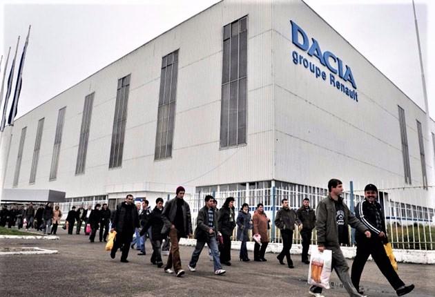 S-a aflat acum! Secretul salariilor: Cât câștigă un angajat al Dacia