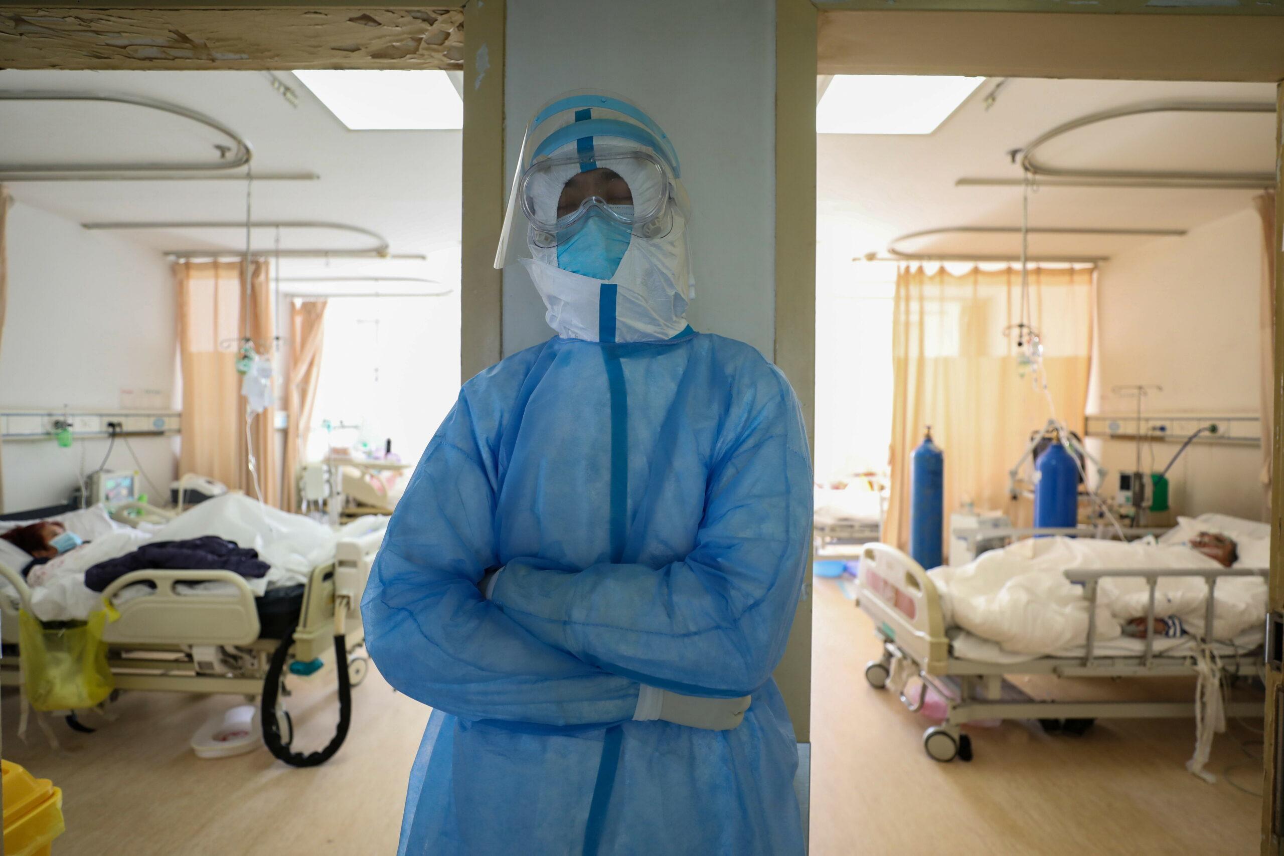 Coronavirusul provoacă nebunie! Jaf armat pentru hârtie igienică. Unde e atât de grav