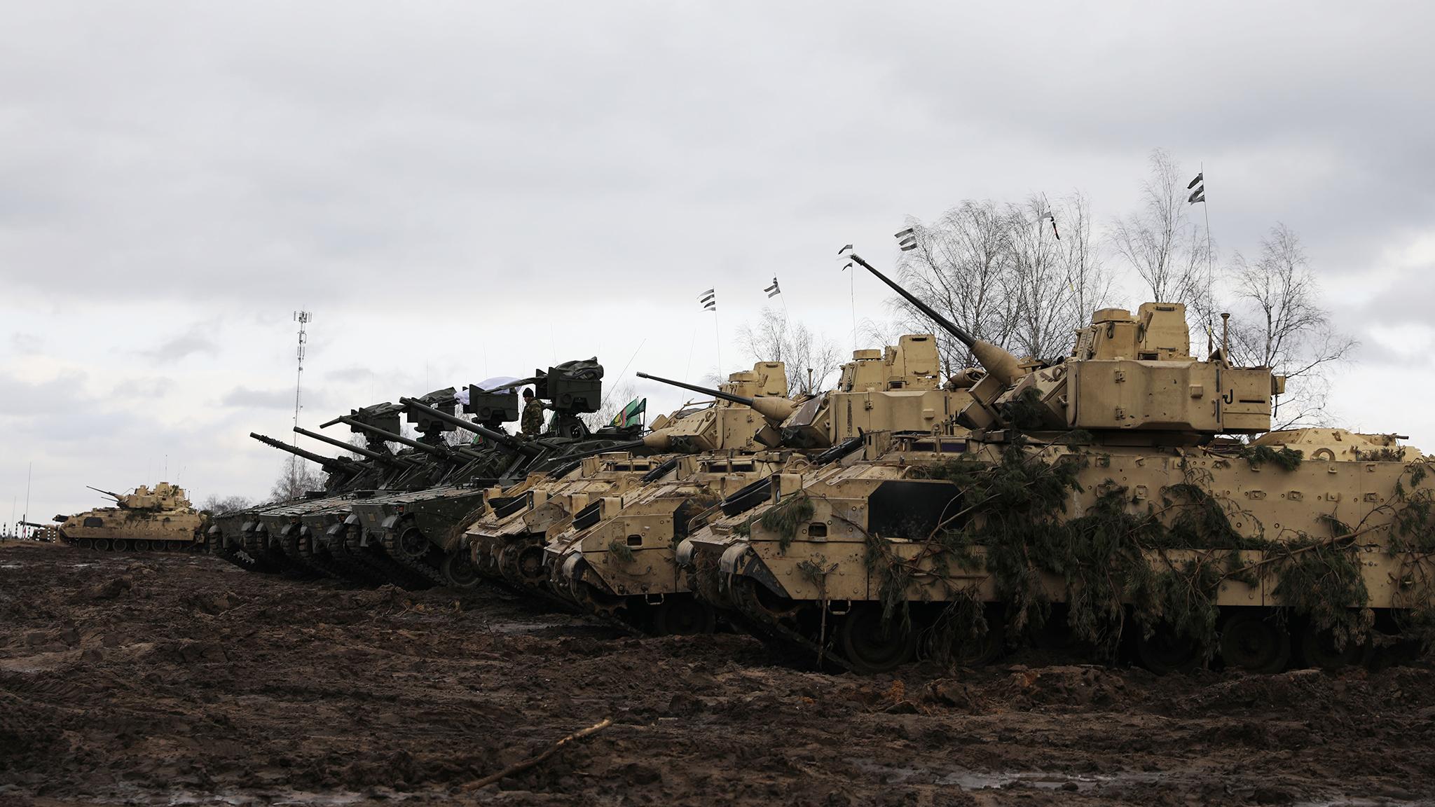 Americanii trimit trupe în Europa! SUA își arată puterea cu zeci de mii de militari