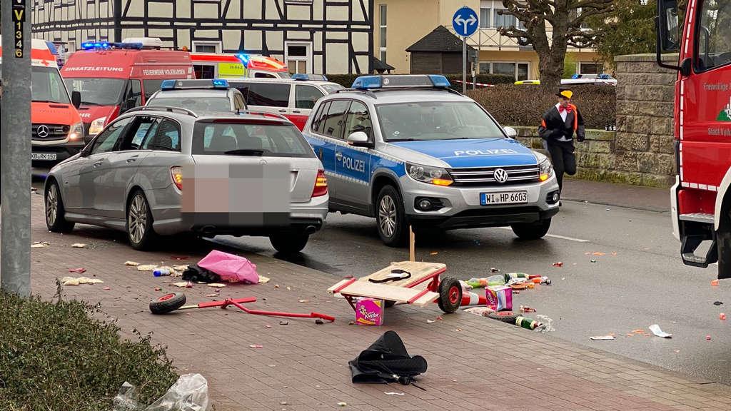 Incident violent în Germania. O mașină a intrat în mulțime la un carnaval