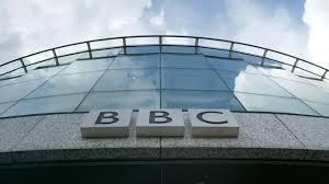 Propaganda se plătește: Guvernul Johnson lasă BBC fără taxe