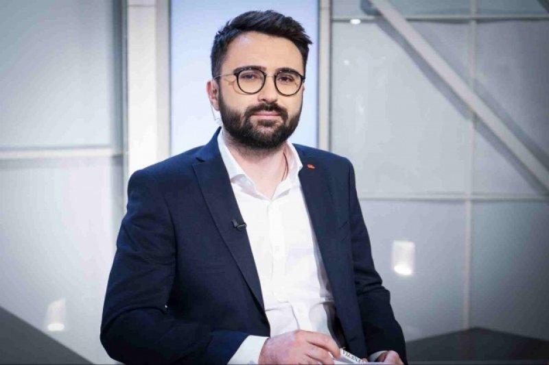 Evz.TV. Dosare de presă. Ionuț Cristache, un jurnalist de 10 pentru România9