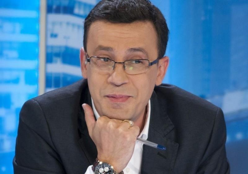"""Evz.TV. Dosare de presă. Victor Ciutacu și adevărul despre tonomatul lui Băsescu: """"Bagi o fisă și vorbești!"""""""