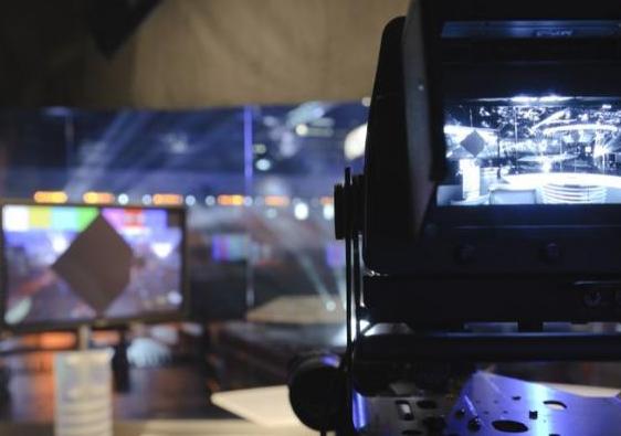Tragedie în televiziune. Prezentatoare TV s-a spânzurat. Ce au găsit în sistemul ei?