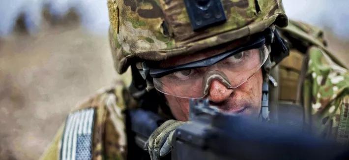 """Soldații SUA, """"imuni"""" în fața gloanțelor?! Descoperirea incredibilă a cercetătorilor"""