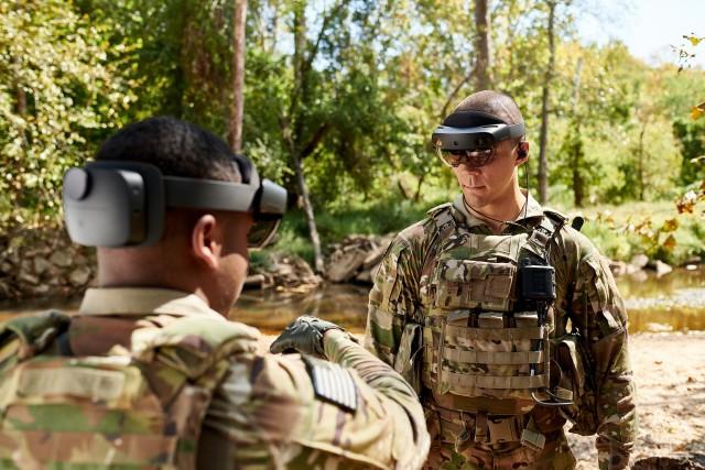 """US Army nu se uită la bani. """"Soldatul augumentat"""" devine realitate"""