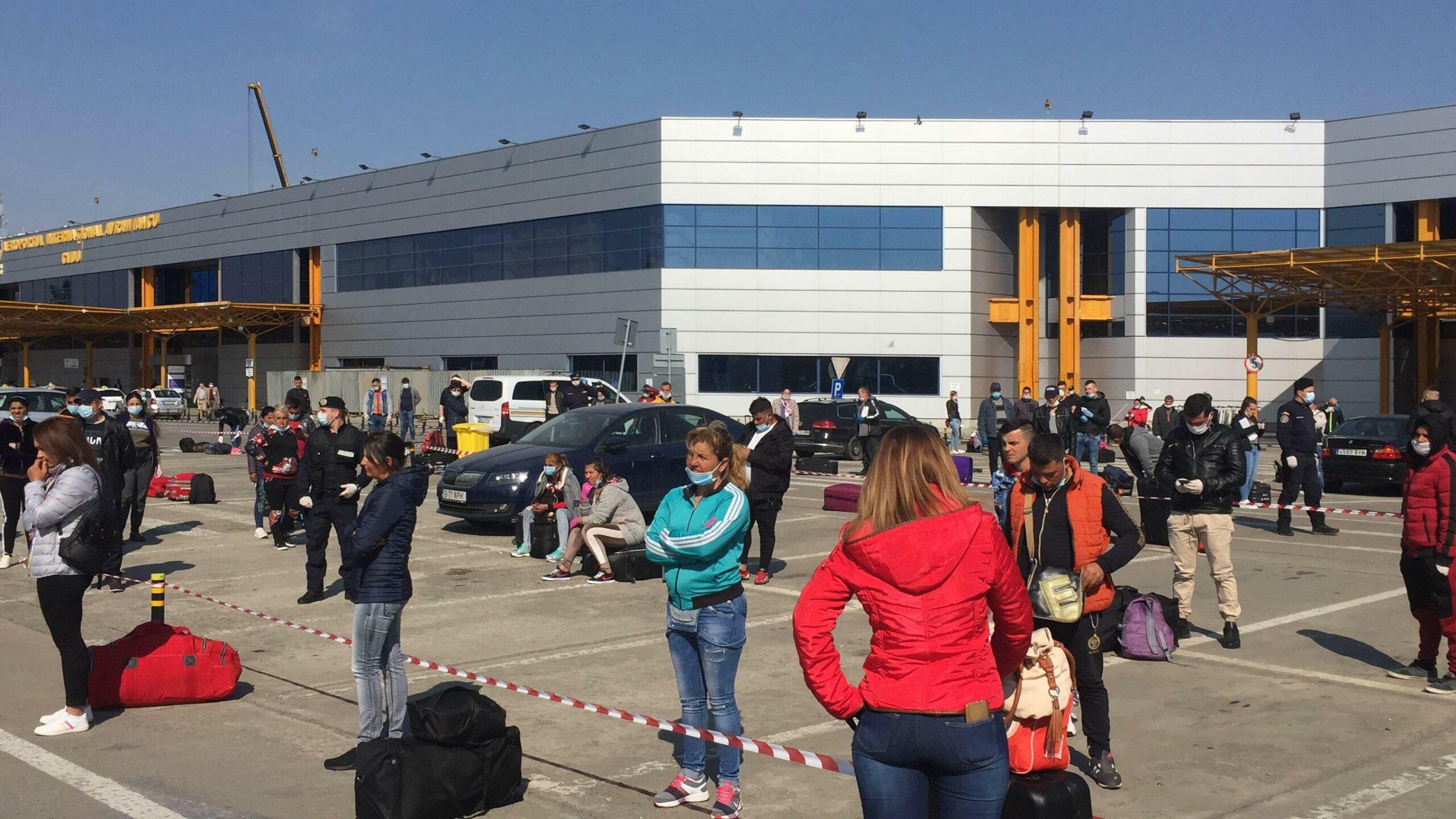 Alertă la Cluj: Zborurile spre Germania, anulate! Sute de persoane blocate. VIDEO
