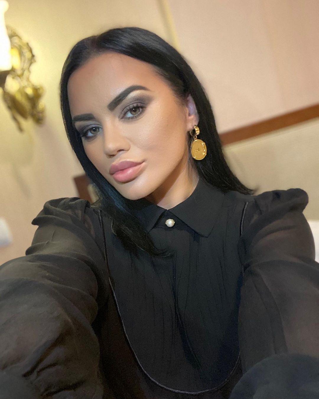 """Un nou """"duet"""" în showbiz. Carmen de la Sălciua și-a dus fanii în delir. """"E la fel de sexy"""""""