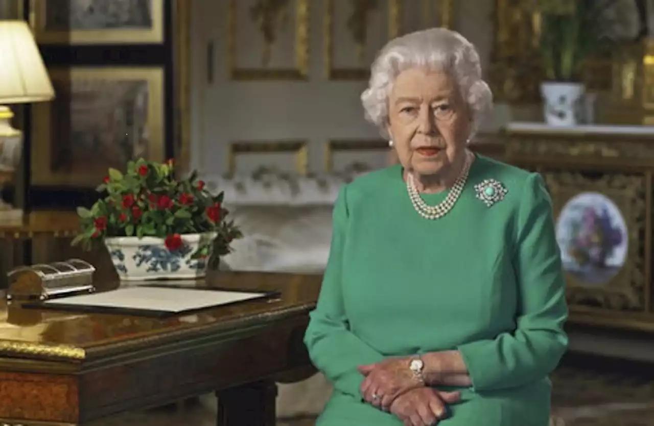 Glume nesărate şi imagini-şoc cu Regina Elisabeta a II-a pe internet. Foto incredibile în articol