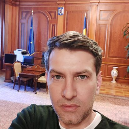 Omul care a difuzat primul fotografia cu Ludovic Orban este consilierul unui parlamentar PSD! Mesajele acestuia