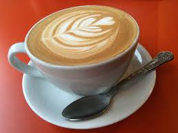 Bei cafea pe stomacul gol? Stop! Dieta vedetelor din Marea Britanie face ocolul lumii