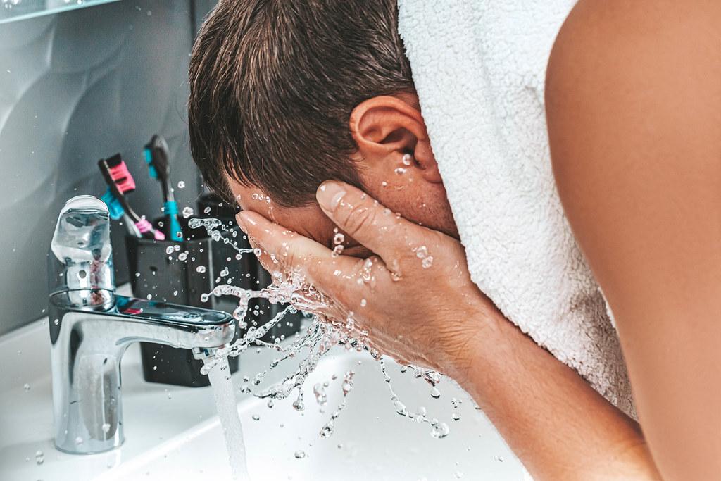 Vierme care mănâncă creierul în apa de la robinet? Caz confirmat! Autorităţi în alertă