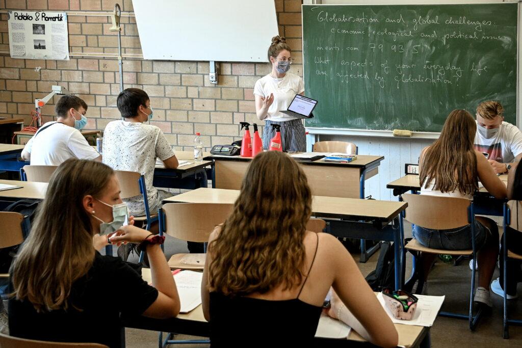 Ministerul Educației, război împotriva elevilor care nu poartă mască! Sancțiuni crunte!