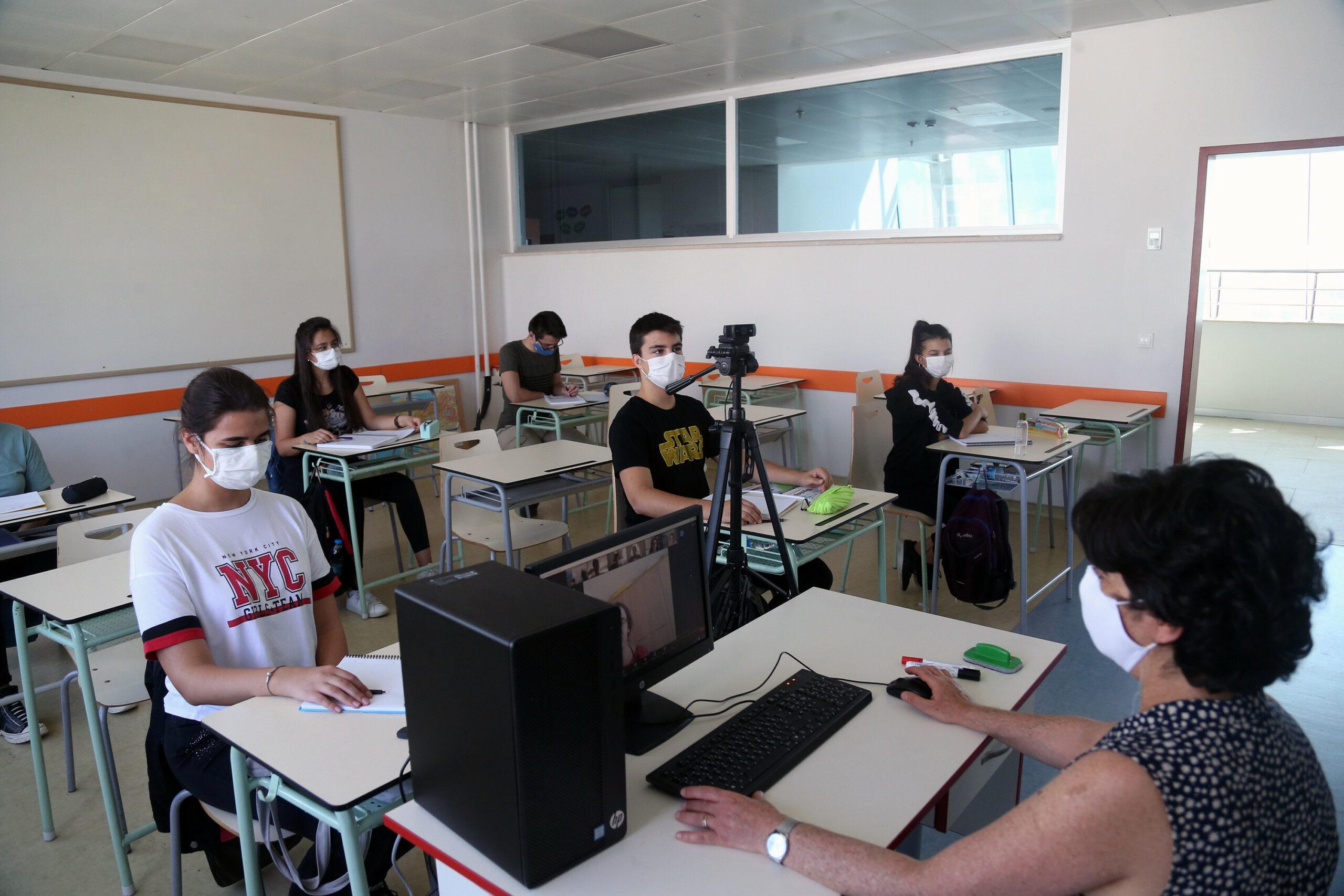 Panică în școlile din România. Datele o confirmă! Numărul cazurilor de Covid-19 s-a dublat