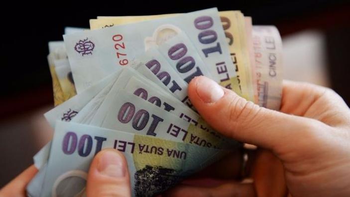 Banul la ban trage! Ce sumă primește lunar de la stat cel mai bogat român