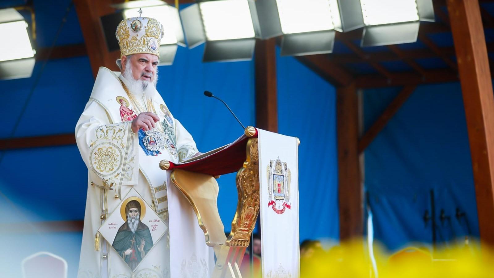 Patriarhul Daniel îl amenință pe Iohannis că va avea soarta lui Ceaușescu