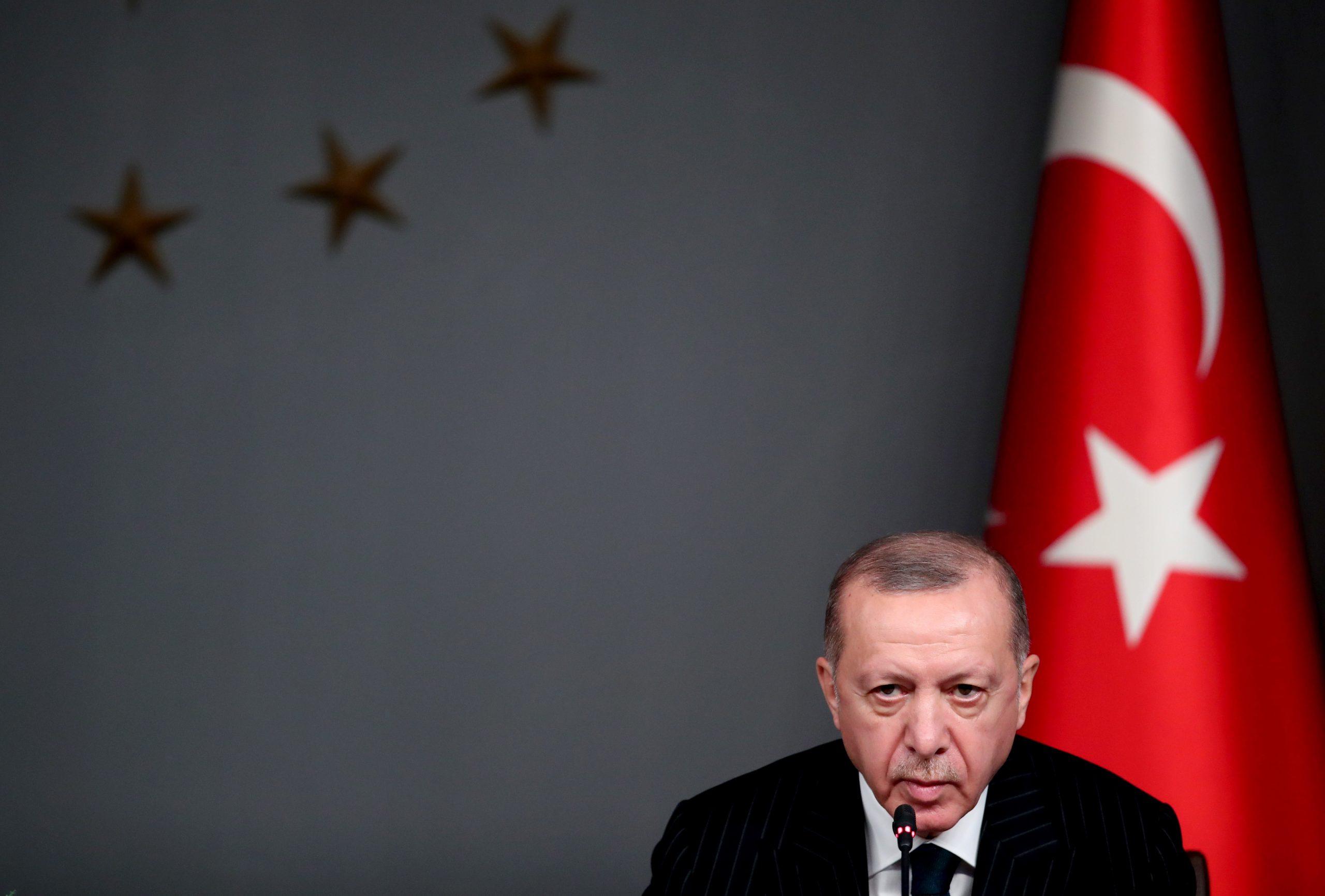 Motiv de război. Erdogan va turba de furie! Ridiculizat în Franța. Imagini explozive
