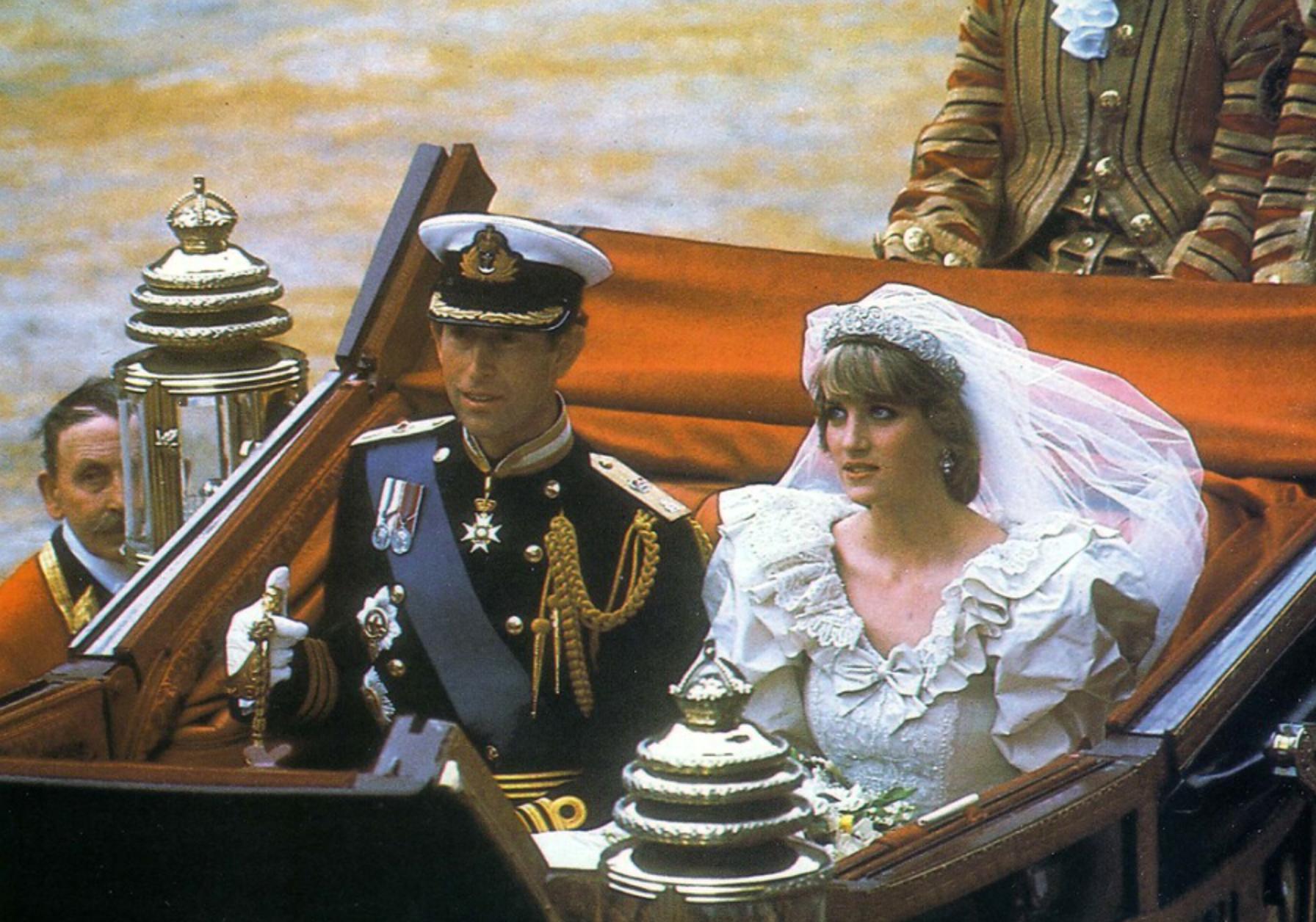 """Confirmări târzii: """"Iadul din ziua întâi"""". Lady Di, frica de Charles și conspirația"""